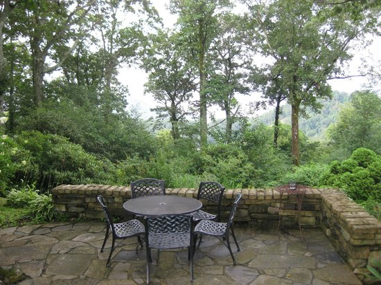 Gideon Ridge Inn: You can have dinner or breakfast on the patio