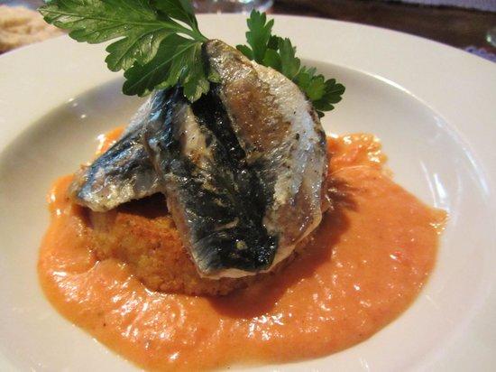 Hostellerie de Saint Front : sardine starter