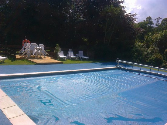 Epchris House : swimming pool
