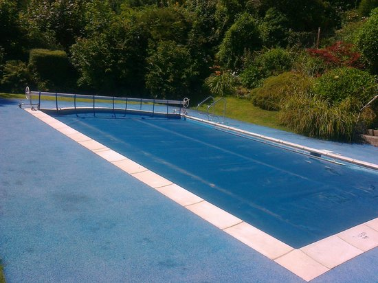 Epchris House: swimming pool