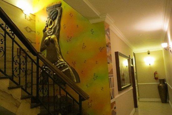 Highgate Hotel: ホテルの階段