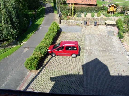 Hotel Lindner: Hotel Parkplatz