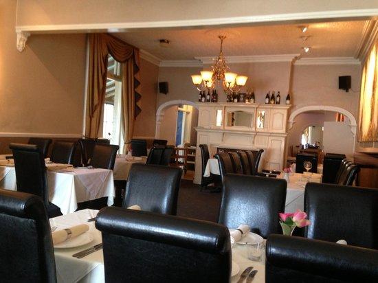 Simla: Dining room