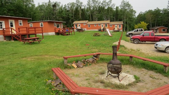 Traytown Cabins: View of some of the cabins