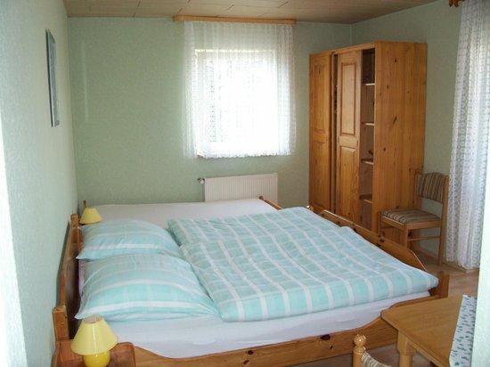 Hotel Lindner: Dreibettzimmer