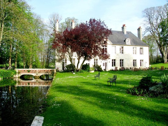Hotel Chateau De Bellefontaine: Beautiful, quiet Chateau outside Bayeaux