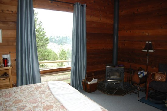 Bonanza Creek Guest Ranch: Prairie Cabin view