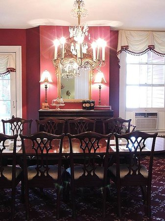Holladay House Bed and Breakfast: Holladay House Breakfast Room