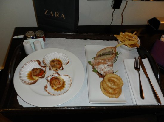The Kensington : room service