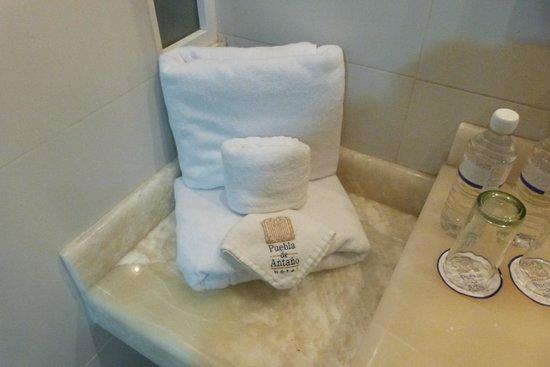 Hotel Puebla de Antano: Salle de bain