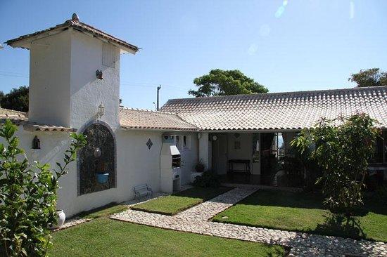 Pousada Casa Buzios: Courtyard