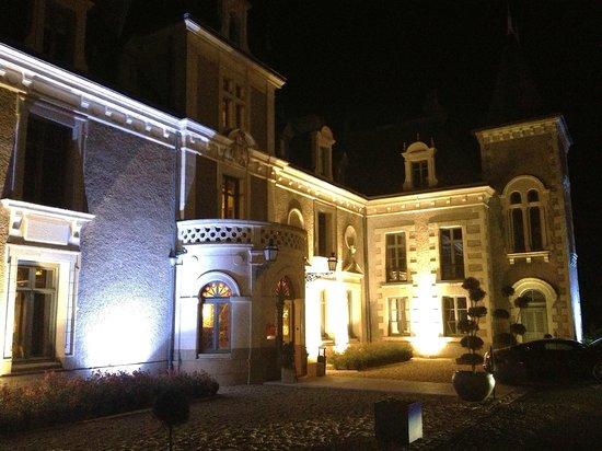 Hostellerie Chateau de la Barbiniere : Le chateau de nuit