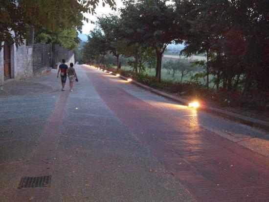All'Antica Mattonata : con illuminazione a pavimento ...ancora più suggestiva