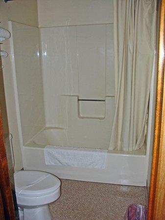 Oasis: Bathroom_001