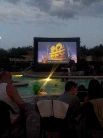 Summer Bay Orlando By Exploria Resorts: Pool area activity!  Movie night!