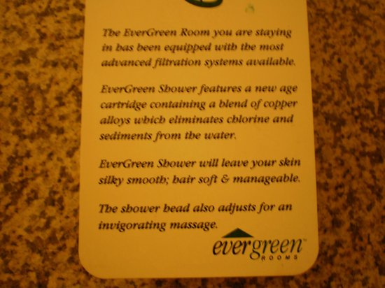 Quality Inn & Suites Maine Evergreen Hotel: Note on the shower