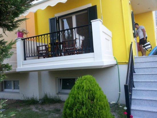 Santa Emelia: Vila