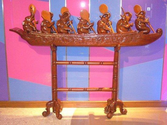 Hip Bangkok: Lobby decoration