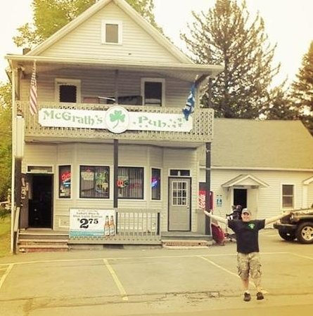 McGrath's Pub & Eatery: Co-owner Jimmy in front of pub