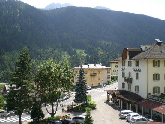 Hotel Salvadori: vista dalla suite sull'ala più vecchia dell'hotel