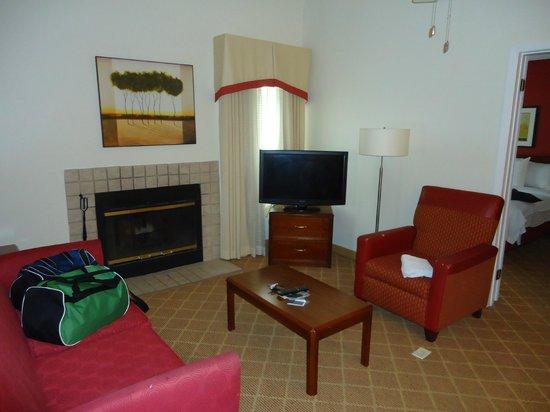 Residence Inn Rochester Henrietta : Living Area