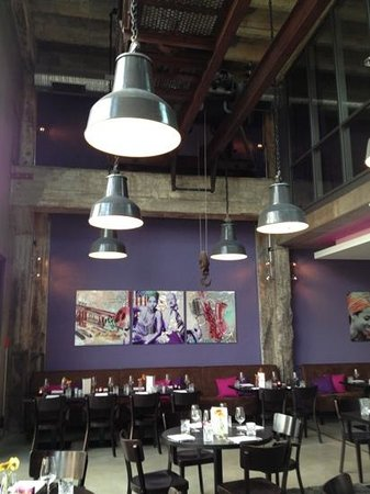 super popular fc8c5 e15d8 Industrial theme restaurant including lighting and a huge ...