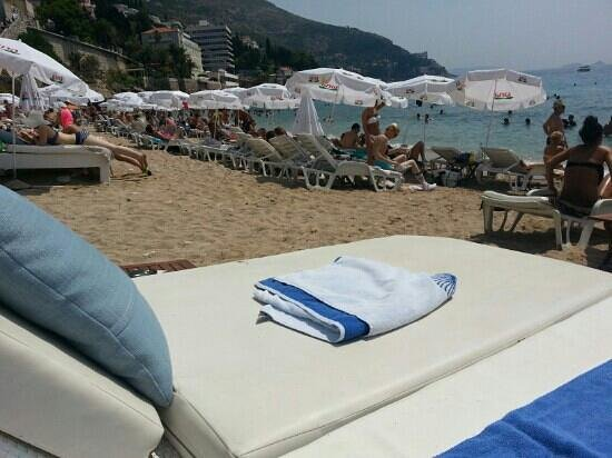 Banje Beach: beachbed