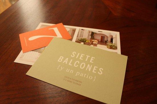 Siete Balcones y un patio: Tarjetas del hotel