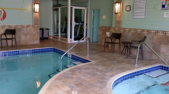 BEST WESTERN PLUS Langley Inn: Pool Area
