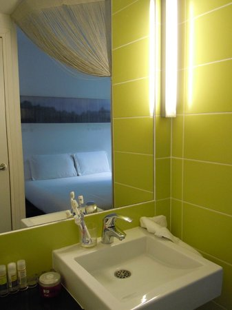 Maxim Folies : Baño