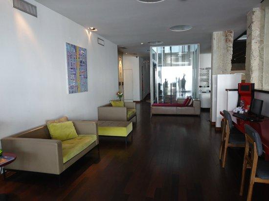 Hotel Vitrum : lobby