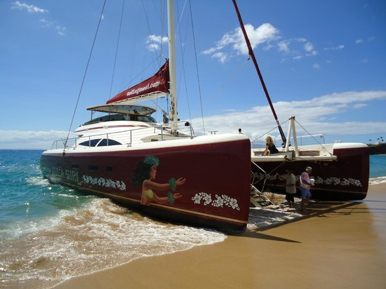 Hula Girl Excursions: The beautiful Hula Girl catamaran