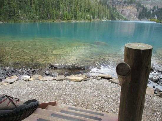 Lake O'Hara Lodge : view from the front porch of cabin #6