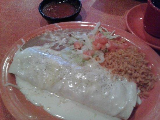 Maria's Mexican Grill & Cantina: Chicken Burrito with Queso Blanco--Yum!