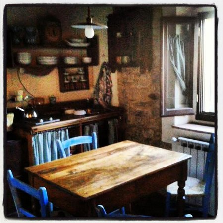 B&B Le Due Volpi: Upstairs kitchenette