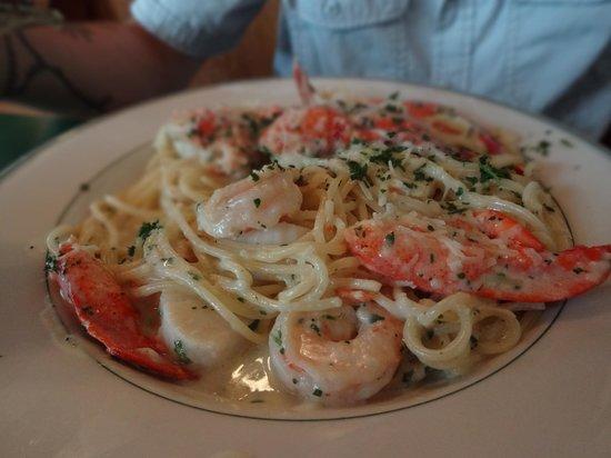Giordano's Restaurant & Clam : Seafood Linguini Dish, Fresh Seafood!