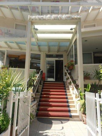 Hotel Arno: Entrata dell'hotel