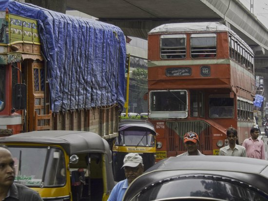 The Leela Mumbai: A highway that forms one side of the extensive Leela Mumbai propery