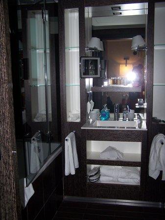 Les Jardins de la Villa & Spa : Bathroom