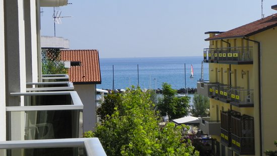 Residence Sottovento: view of the sea from terrace