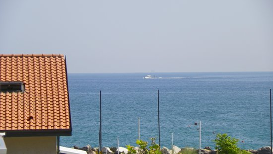 Residence Sottovento : zoomed view of the sea