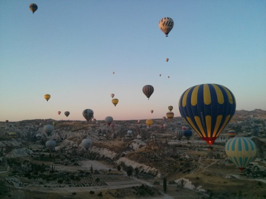 Caravanserai Cave Hotel: hot balloon ride with atmosfere company