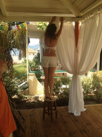 Antonio's Guest House: The yoga shala is being prepared!