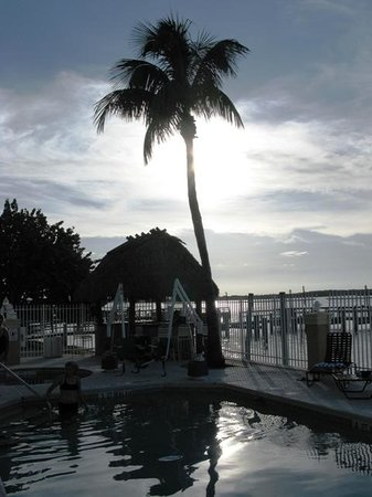 Hutchinson Island Plaza Hotel and Suites: piscina