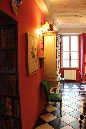 La Maison du Frene: обилие цвета