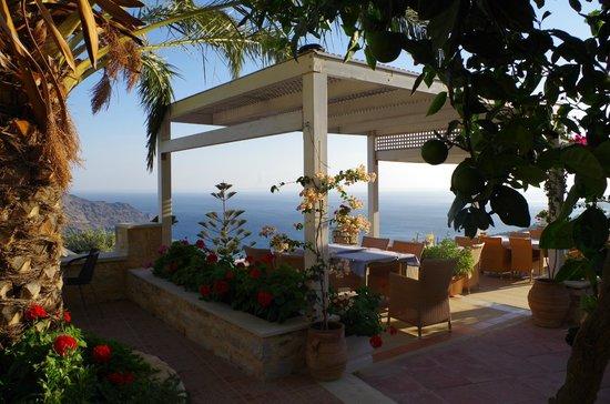 Stefanos Village Hotel: Speisen-Terrasse