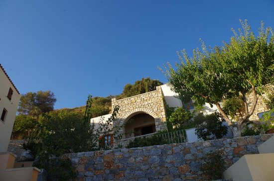 Stefanos Village Hotel: Village-Ambiente