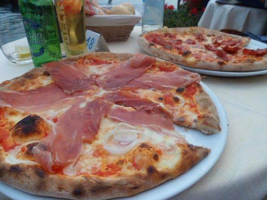 Ristorante Pizzeria Italia Da Nikolas: Main Course pizza