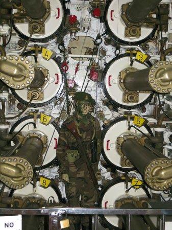 Interior submarino fotograf a de museos flotantes delf n for Interior submarino
