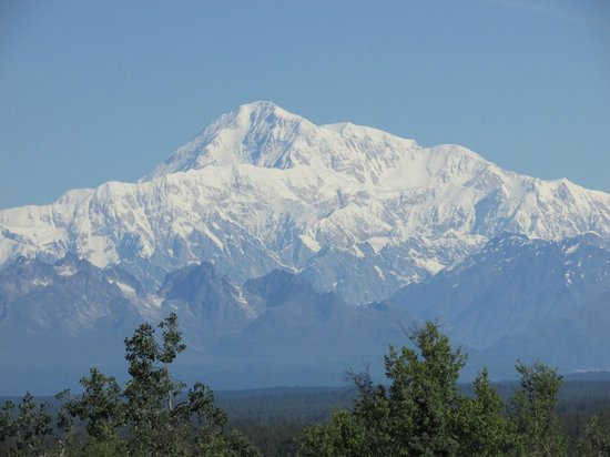 Talkeetna Alaskan Lodge : View of Mt. McKinley from the rear porch.